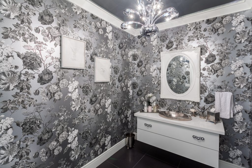 Luxury-Bathroom-design wallpapers are back